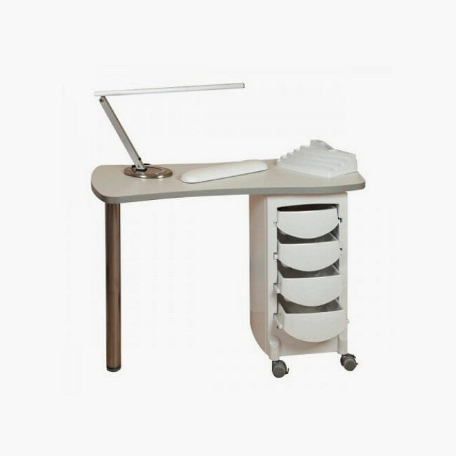 how to set up a manicure table